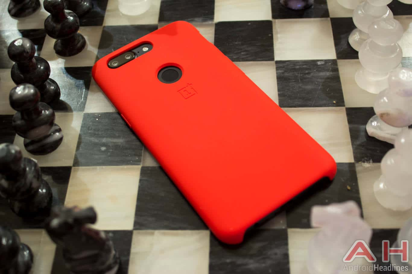 Coque Oneplus 5t AH NS 44 rouge