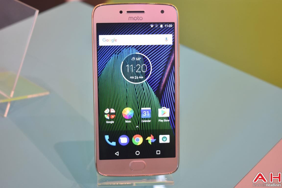 Moto G5 Hands On AH 3