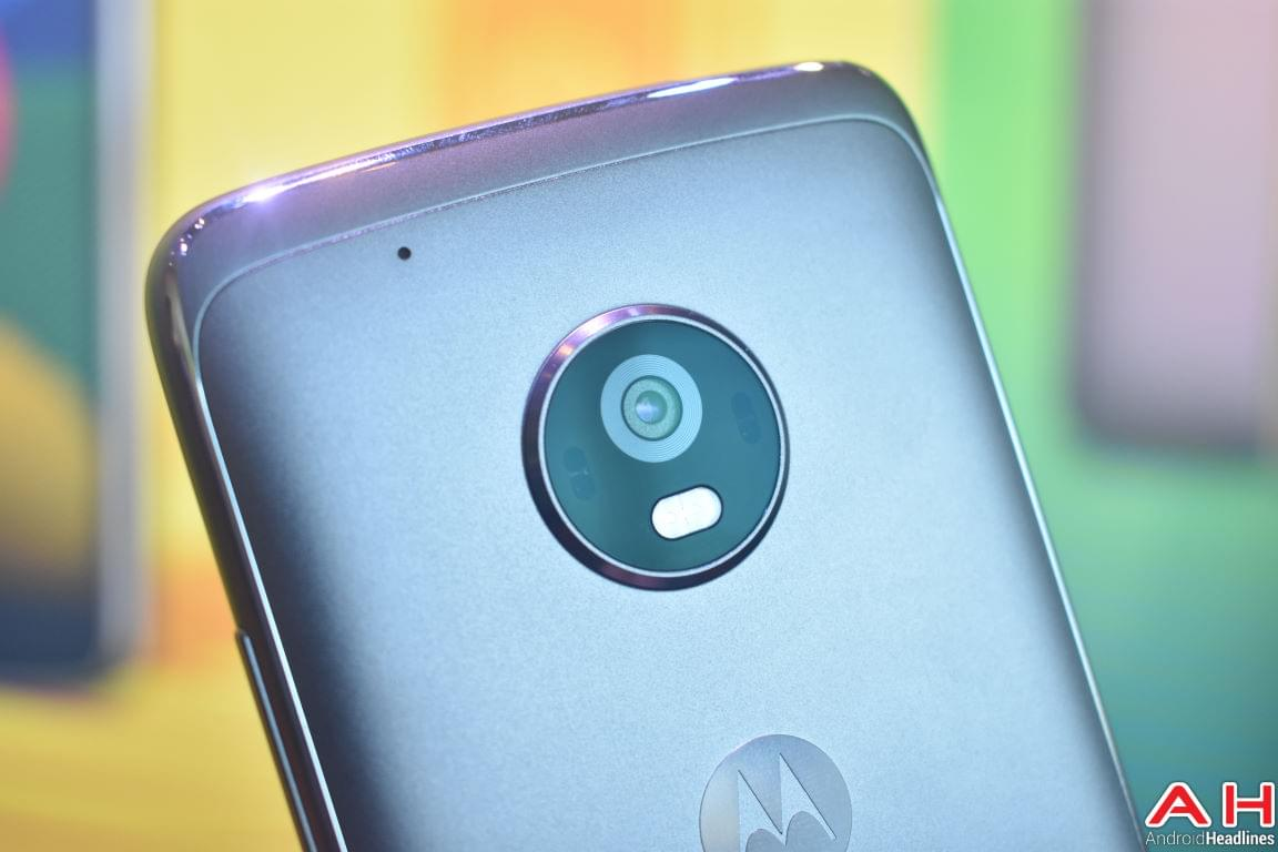 Moto G5 Hands On AH 14