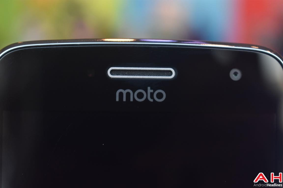 Moto G5 Plus Hands On AH 15
