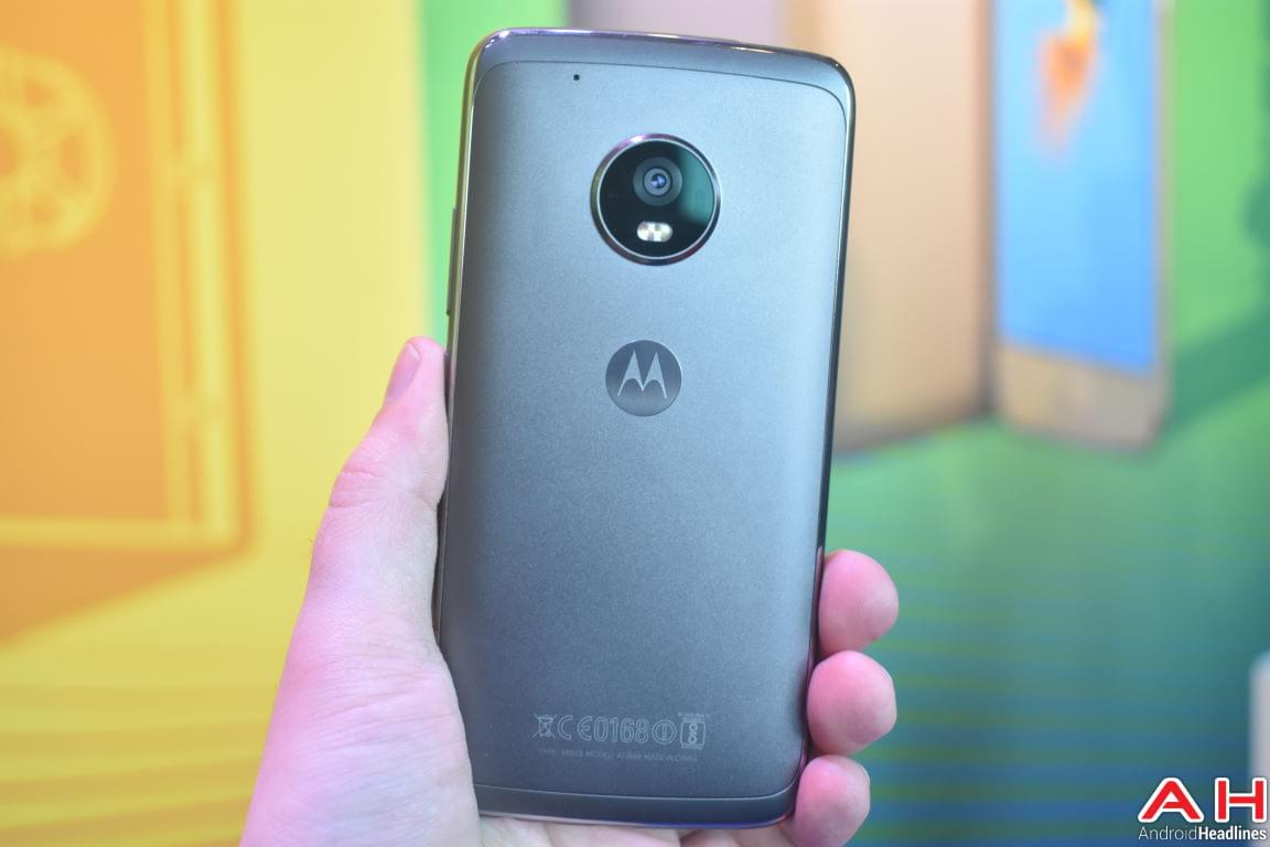 Moto G5 Hands On AH 13